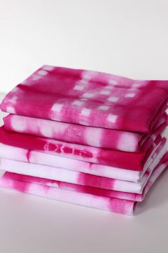 We've long been loyal to shibori in blue, but this pink project sure is pretty, too. #DIY