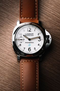There is a certain irony to it, but when you say Panerai, the first watch that comes to mind with most people is the basic Luminor. Best Watches For Men, Big Watches, Luxury Watches, Cool Watches, Dress Watches, Luminor Panerai Watch, Panerai Watches, Channel Bags, Horse Watch