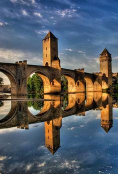 Pont Valentré, le symbole de la charmante ville de Cahors