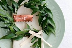 From table decor to the groom's look, here are 19 bright copper wedding details to make your day shine.