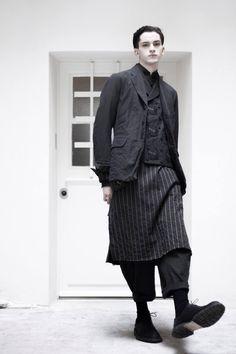 Gothic Wear and Fashion For Everyone Nomad Fashion, Quirky Fashion, Love Fashion, Mens Fashion, Fashion Design, Mens Kimono Shirt, Norfolk Jacket, Unisex Looks, Man Skirt