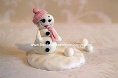 Snowlady  - Cake by Zoe's Fancy Cakes - https://www.youtube.com/playlist?list=PLAs9a_RIYksesgiozzzFdwCqhpim7NHE6