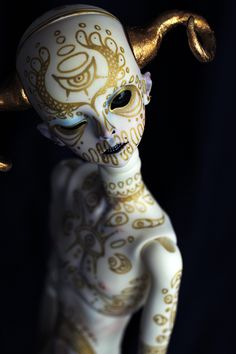Fantasy | Whimsical | Strange | Mythical | Creative | Creatures | Dolls | Sculptures | ☥ | Mismantis dolls http://amzn.to/2pZy2Zo