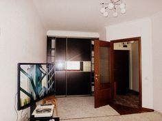 Предлагаем для долгосрочной аренды в Ставрополе  1 - комнатная квартира по адресу Лермонтова 121,Солнечный, ремонт современный,встроенная кухня с духовым шкафом и вытяжкой, панорамный вид, шкаф-купе, мягкая мебель, общей площадью 32.7 кв.м, дом Новый кирпич, Центральное отопление, Электро-плита, наличие бытовой техники - стиральная машина (+), холодильник (+), телевизор (ЖК),парковка подземная, номер объявления - 19196, агентствонедвижимости Апельсин. Услуги агента только по факту…