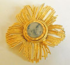 Vintage / retro gold tone sun brooch or pin with moss agate central inset #10716