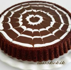 10 Minuets : Miss Thyme: Chocolate Tart Cake Easy Cake Recipes, Cookie Recipes, Dessert Recipes, Chocolate Desserts, Chocolate Cake, Pasta Cake, Cake Decorating For Beginners, Mini Tortillas, Recipe Mix