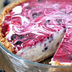 Very Berry Frozen Cream Pie a summer dessert with fresh blueberries. Very Berry Frozen Cream Pie a summer dessert with fresh blueberries. Graham cracker pie crust, frozen cream, swirls with homemade blueberry raspberry sauce. Frozen Strawberry Desserts, Frozen Desserts, Strawberry Summer, Recipes With Frozen Strawberries, Frozen Blueberry Recipes, Frozen Pies, Raspberry Desserts, Frozen Fruit, Strawberry Shortcake