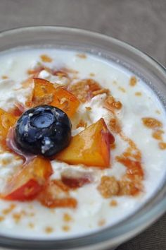 Healthy homemade yogurt... tons easier than you think.  Common you know u want to try it.