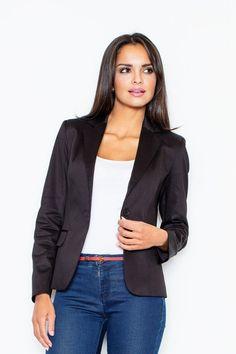 Dámske sako slim strihu krásne vytvaruje vašu postavu, skvelo sa hodí k jeansom alebo k elegantným nohaviciam alebo sukni. V žiadnej ženskej skrini tento posvätný kúsok nesmie chýbať. Kvalitné sako je jedným zo základných pilierov kvalitne zostaveného šatníka každej ženy.  K tomuto sačku si môžete dokúpiť aj >>>nohavice<<< a pribudne vám ďalšia možnosť k tvorbe outfitu.  Dodanie do cca 10 pracovných dní