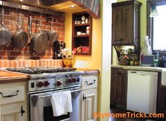 Kitchen Organizing Tips Organizing Tips, Cleaning Hacks, Kitchen Organization, Organization Hacks, Messy Kitchen, Home Hacks, Food Preparation, House Painting, Cooking Tips
