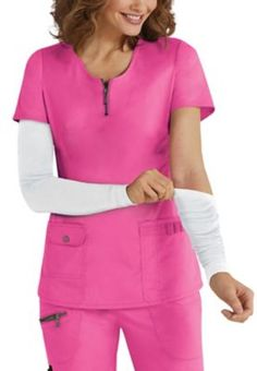 The versatile Beyond Scrubs med sleeves are perfect for those cold days in the office, to cover tattoos, or to add some style! Get all of your favorite colors! One size fits most spandex Scrubs Outfit, Scrubs Uniform, Medical Scrubs, Nursing Scrubs, Cute Scrubs, Work Uniforms, Nursing Clothes, Dental Assistant, Outfits