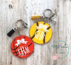 Your place to buy and sell all things handmade Monogram Keychain, Diy Keychain, Keychain Ideas, Keychain Design, Vinyl Monogram, Personalized Basketball, Custom Basketball, Acrylic Keychains, Resin Molds