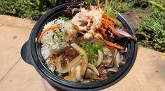 Deep-fried Spam musubi is back on Oahu Korean Braised Short Ribs, Kalbi Ribs, Fried Spam, Ahi Tuna Poke, Chicken Katsu Curry, Maui Restaurants, Spam Musubi, Cafeteria Food, Loco Moco