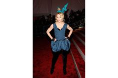 Madonna in total Vuitton e ruches per il Met Ball 2009  Credits: Photo by GettyImages