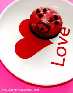 Oreo Love Bug Cookies #valentines