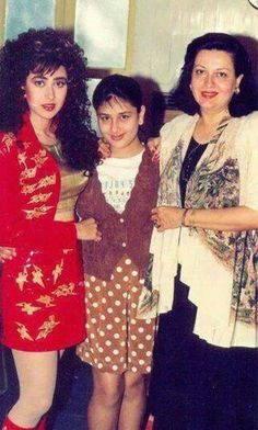 Kareena Kapoor n Karisma Kapoor with mom Babita Vintage Bollywood, Indian Bollywood, Bollywood Stars, Indian Celebrities, Bollywood Celebrities, Beautiful Bollywood Actress, Beautiful Actresses, Kareena Kapoor Family, Karena Kapoor