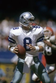 Quarterback Troy Aikam of the Dallas Cowboys drops back to pass against the Cleveland Browns September 1 1991 during a NFL football game at Cleveland. Dallas Cowboys Rings, Dallas Cowboys Pictures, Cowboy Pictures, Dallas Cowboys Football, Football Pictures, Cowboys 4, Pittsburgh Steelers, Nfl Football Games, Nfl Football Players