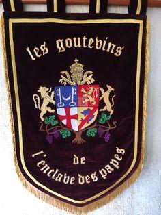 Bannière confrérie des Goutevins de L'enclave des Papes