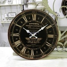 Retro Zegar Fabrique Belldeco - okrągłe, drewniane zegary ścienne w stylu prowansalskim.