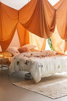 Urban Outfitters Bedroom, Duvet Covers Urban Outfitters, Cotton Duvet, Cotton Sheets, Bedroom Inspo, Bedroom Decor, Bedroom Ideas, Cozy Bedroom, Bedroom Designs