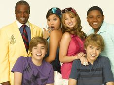 See Your Fave 'The Suite Life on Deck' Stars' Style Transformations - Twist Hotel Zack Und Cody, Zack Et Cody, Old Disney Shows, New Disney Channel Shows, Sweet Life On Deck, Series Da Disney, Dylan And Cole, Emperors New Groove, You Make Me Laugh