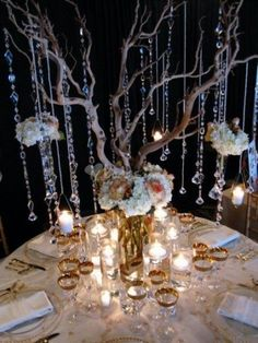 Centerpieces with hanging crystals Winter Centerpieces, Elegant Centerpieces, Party Centerpieces, Wedding Decorations, Centerpiece Ideas, Gatsby Wedding, Chic Wedding, Dream Wedding, Gatsby Party