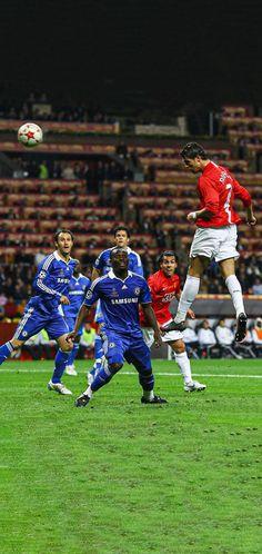 Cristiano Ronaldo Juventus, Cristiano Ronaldo Cr7, Manchester United Legends, Manchester United Football, Football Images, Football Pictures, Ronaldo Free Kick, Cr7 Wallpapers, Cristano Ronaldo