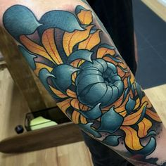 50 Cool Chrysanthemum Tattoo Designs - Great Way to Pass Your Message Across