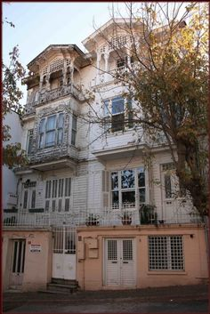 HEYBELİADA / HEYBELİADA Republic Of Turkey, The Turk, Ottomans, Traditional House, Travel Photos, Craftsman, Istanbul, Greece, Homes
