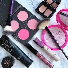 Camouflage Make-up to Hide All Your Skin Imperfections Makeup To Buy, Makeup Stuff, Makeup Blog, Makeup Dupes, Lip Makeup, Models Makeup, Makeup Brands, Makeup Products, Mac Liquid Lipstick