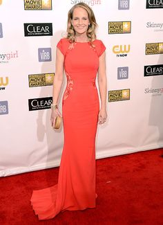 Helen Hunt oozed sex appeal in a Philip Armstrong gown and Martin Katz jewelry at the Critics' Choice Movie Awards 2013.