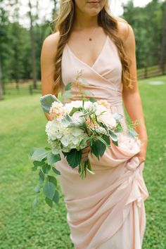 overflowing bouquet | Spindle Photography #wedding