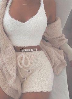 66 Trendy How To Wear Sweatpants Winter Chic- Jo-Ann Rozzi # Sweatpants Outfits chic howtowear JoAnn Rozzi sweatpants Trendy Wear Winter Cute Lazy Outfits, Cute Swag Outfits, Sporty Outfits, Teen Fashion Outfits, Trendy Outfits, Nike Outfits, Fashion Tips, Ropa Interior Calvin, How To Wear Sweatpants