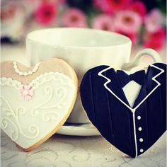 Indian Wedding Inspirations: White Wedding Cookies. Repinned by #indianweddingsmag IndianWeddingsMag.com #donuts