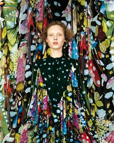 Ilona Kuodiene photographed by Richard Burbridge for the Tsumori Chisato Fall/Winter 2005 campaign. Textiles, Textile Prints, Textile Design, Fashion Prints, Fashion Art, Fashion Design, Color Patterns, Print Patterns, Pattern Mixing