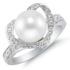 Lovely! Love it. My favorite pearl ring. Ummmm maybe we could find a knock off somewhere??? $775 (Size 5)