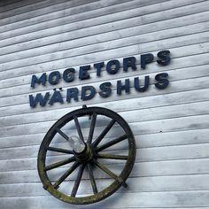 Lunchdags på Mogetorps Wärdshus. :)