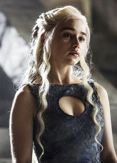 Daenerys Targaryen ~ Game of Thrones #GoT #Fashion