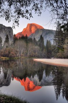 Serene Scenery with Hand Painted feeling in this Reflection! Beautiful World, Beautiful Places, Beautiful Pictures, Beautiful Scenery, Yosemite National Park, National Parks, Amazing Photography, Landscape Photography, All Nature