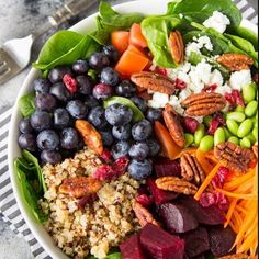 Quinoa, Spinach and Blueberry Superfood Bowl Healthy Nutrition, Healthy Snacks, Healthy Eating, Healthy Recipes, Quinoa Spinach, Superfood Salad, Cranberry Cheese, Buzzfeed Food, Salad Ingredients
