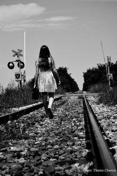 """Σκέψεις: """"φωτογραφίες καδραρισμένες"""" γράφει ο Τάσος Ορφανίδ... Railroad Tracks"""