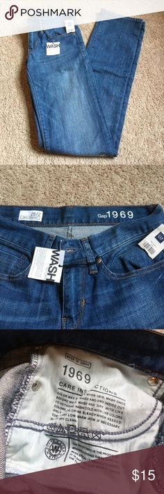 "NWT Gap ""Real Straight"" Medium Wash Jeans NWT straight leg jeans - medium wash with bronze hardware - 4 functional pockets and belt loops - waist is 13.5"" when laid flat - 34"" inseam GAP Jeans Straight Leg"