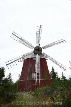 Discover the world through photos. Water Wheels, Wind Mills, Wind Power, Le Moulin, West Coast, Finland, Fair Grounds, Neon, World