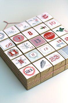 Advent Calendar / Christmas Countdown / Christmas Count Down / Christmas Calendar / Vintage Style Decoration / Vintage Style Advent Calendar...