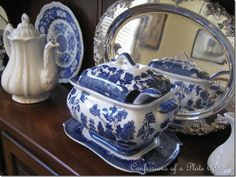 I have this same one . Thank you to my wonderful Step Mom and her dish collecting addiction. I got ALL the antique Blue Willow she aquired over the years.