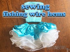 I tried sewing fishing wire hems; a technique to make curly, cupcake style dresses. Sewing Lace, Love Sewing, Sewing For Kids, Baby Sewing, Skirt Sewing, Techniques Couture, Sewing Techniques, Sewing Tutorials, Sewing Projects
