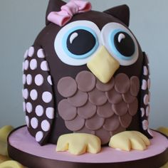 crazy looking cakes   An Owl theme cake that is definitely a Hoot for your next party!