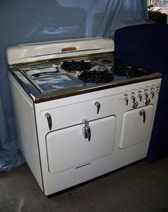 1952 Chambers Stove / antique appliances
