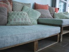 21 Cozy DIY Pallet Sofa Projects that will transform old wood pallets into beautiful projects that will help fill your home and yard with style and personality