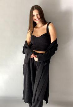 Μπουστάκι με τιράντες ONE SIZE 83%pl 12%vis 5%el ΕΛΛΗΝΙΚΗΣ ΡΑΦΗΣ Total Black, Bralette Tops, Must Haves, Black Tops, Cold Shoulder Dress, Outfits, Dresses, Fashion, Vestidos